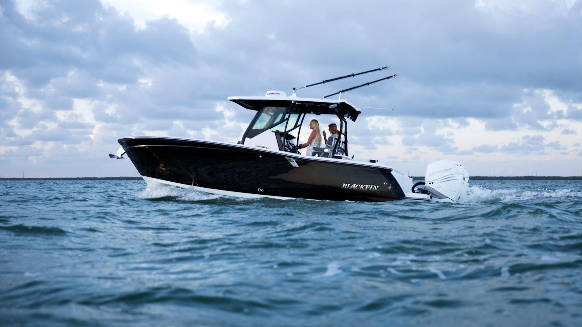 3 Reasons to Buy The Blackfin 272CC | Blackfin Boats